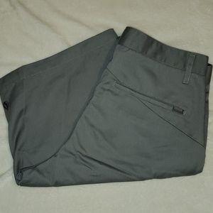 Men Size 32 Volcom Shorts EUC